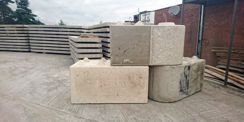 Concrete Round Stacking Blocks