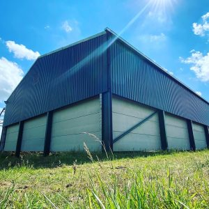 Grain store with 3 m high concrete panels